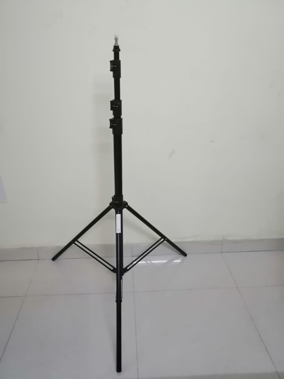 LIGHT STAND 9 FEET